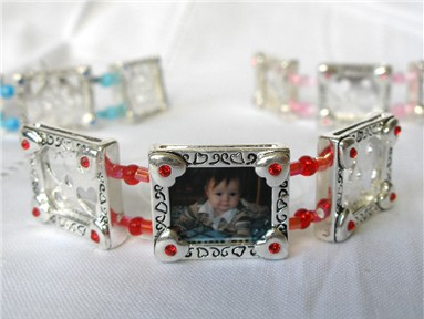 photo bracelet - red hearts