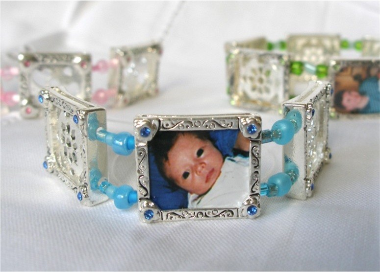 photo bracelet - blue daisies